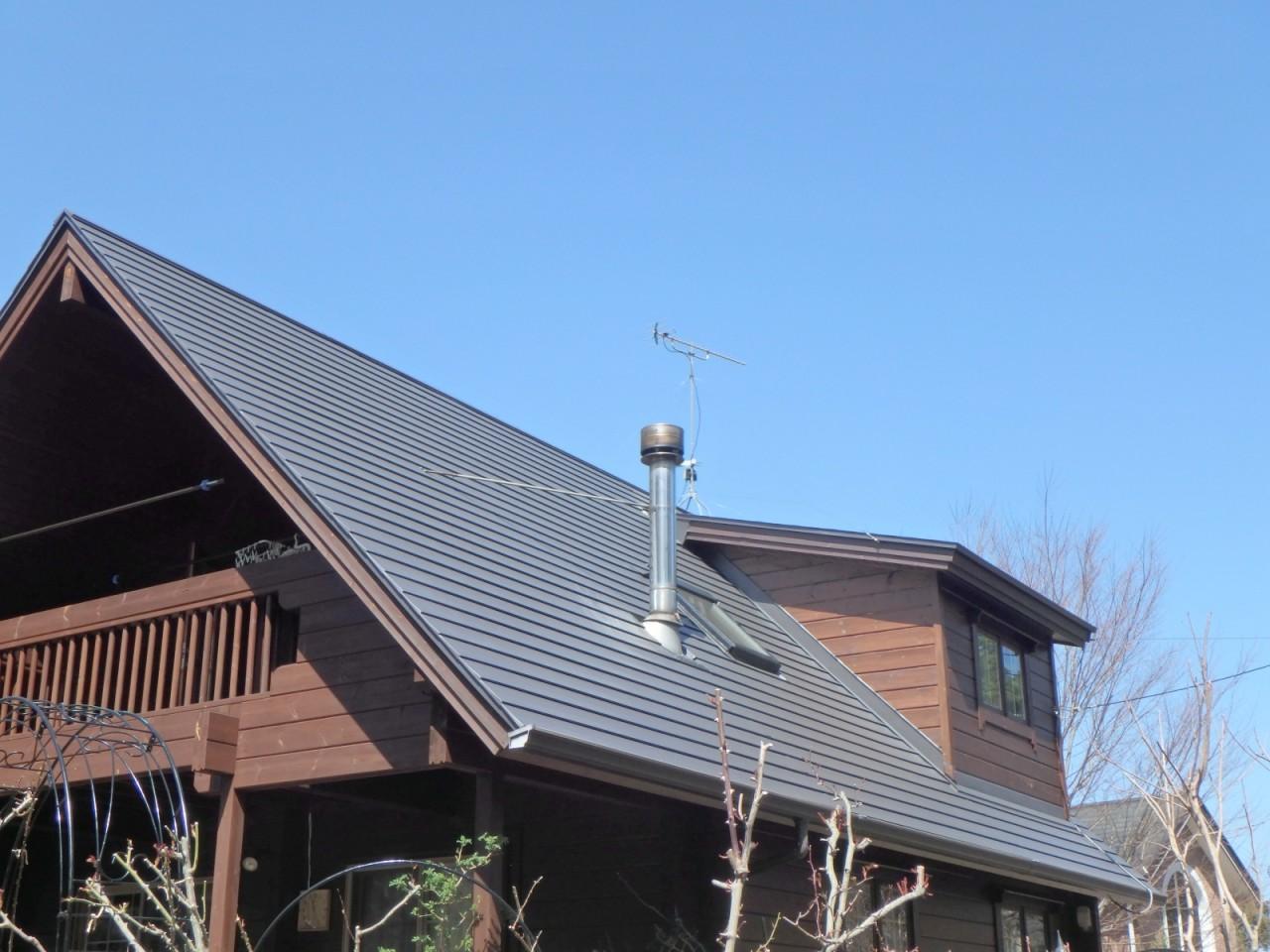 屋根ガルバリウム段葺き(伊東市)